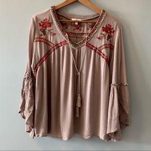 Umgee Embroidered Floral Blouse EUC Large